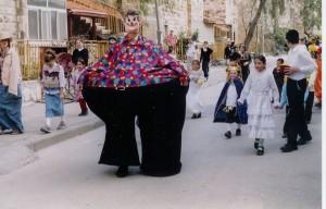 Jerusalem_Purim_street_scene